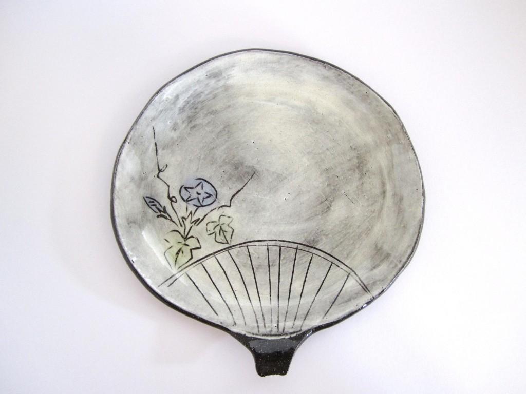 黒陶朝顔団扇皿